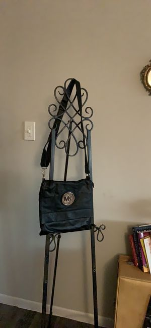 Black Leather Michale Kors Messenger Bag for Sale in Clearwater, FL