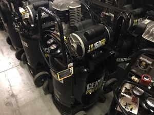 21 gallons to 29 gallons compressor for Sale in Las Vegas, NV