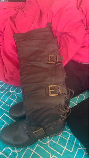 brand new size 5 1/2 womens boots for Sale in Riverdale Park, MD