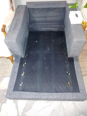 FREE LOUNGE CHAISE, COUCHES AND CHAIRS!!!!! for Sale in Kent, WA