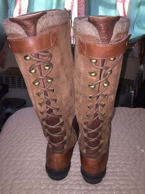 Uggs size 7 Casual Leather Boots ! for Sale in New York, NY
