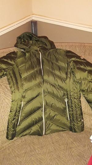 Brand new Michael Kors womens coat Large for Sale in Buffalo, NY