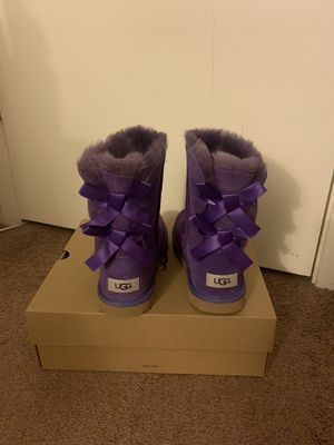 100% Authentic Brand New in Box UGG Bailey Bow II Short Boots / Women size 5, Women size 6 (Big kids 4), Women size 7 (Big kids 5) and Women size 8 ( for Sale in Pleasant Hill, CA
