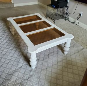 Glass top coffee table for Sale in Taylors, SC