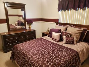 Luxurious high end complete queen bedroom set for Sale in Miramar, FL