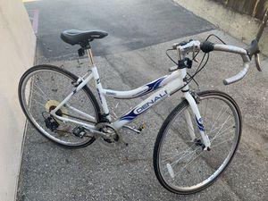 GMC Denali Road Women's bike for Sale in Glendora, CA