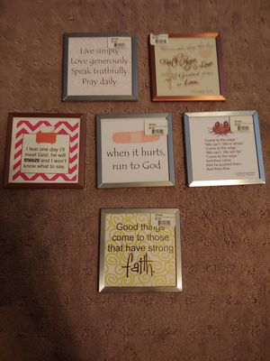 Set of 5 small plaques for Sale in Henderson, NV