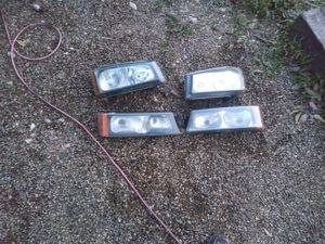 Headlights for silverado 2003 to 2007 for Sale in San Antonio, TX