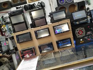 """10"""" Touch Screens, Double Dins, Flip Outs, Single Dins for Sale in Monroe, OH"""