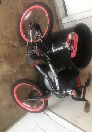 "Girls 18"" bike, great working condition for Sale in Stockton, CA"