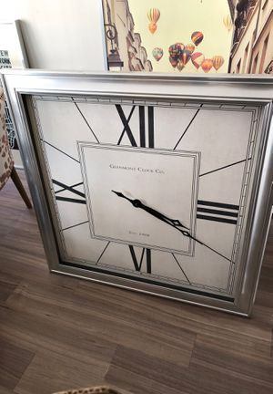 Large wall clock - HomeGoods for Sale in Falls Church, VA
