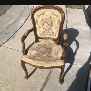 Antique Chair for Sale in Ontario, CA