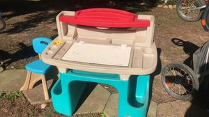 Step 2 kids desk w/chair for Sale in Holly Springs, NC