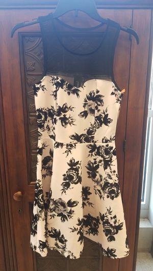 Black white floral dress small for Sale in Wheaton, IL