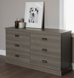 Like NEW - Double Dresser and 2 Nightstands for Sale in Bonita, CA