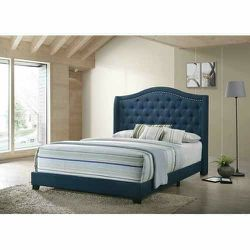 NEW MODERN BLUE FABRIC QUEEN SIZE BED BUTTON NAILHEAD TRIM for Sale in King of Prussia,  PA