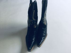 Western leather boots z 6 for Sale in Bolingbrook, IL