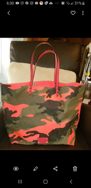 Valentino camouflage bag reversible for Sale in Dallas, TX