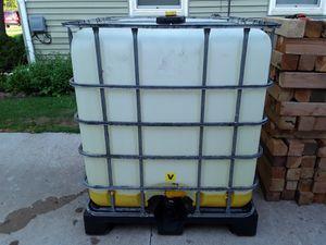 275 gallon water tote for Sale in Menasha, WI