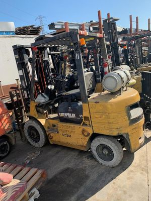 Pneumatic Tire Forklifts Yale Hyster Caterpillar 5000 Lb 6000 LB for Sale in Anaheim, CA