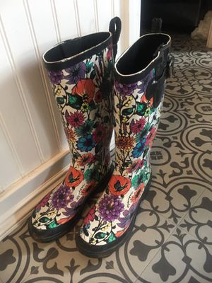 Size 6 rain boots for Sale in Smyrna, TN