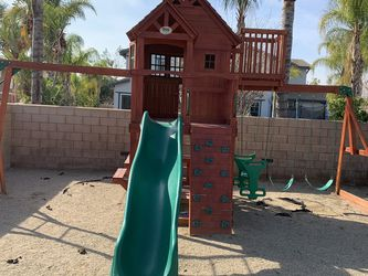 Kids Swing Set And Clubhouse for Sale in Los Angeles,  CA