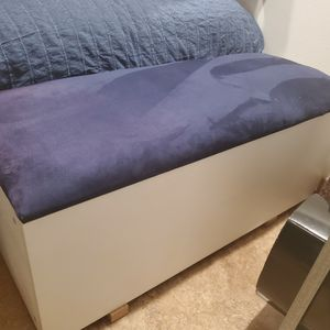 FREE Bench With Storage for Sale in Pleasant Hill, CA
