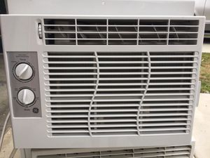 Air conditioner works excellent for Sale in Los Angeles, CA