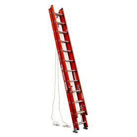 32ft werner extension ladder for Sale in Sebring, FL