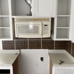 Microwave (Over The Range) for Sale in Fresno, CA