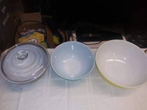 Pyrex mixing bowls for Sale in Auburn, GA