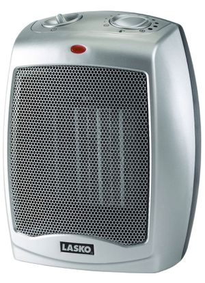 1 Lasko Ceramic Space Heaters with Thermostat for Sale in Inglewood, CA