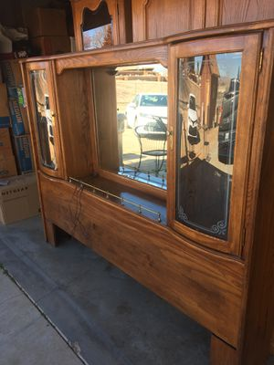 HEAVY SOLID OAK HEADBOARD for Sale in Hesperia, CA