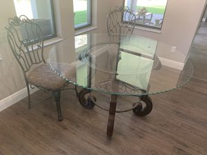Kitchen table with 4 matching chairs for Sale in NEW PRT RCHY, FL