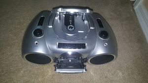 Radio CD player all in one works perfectly fine just need a plugging cord for Sale in Lehigh Acres, FL