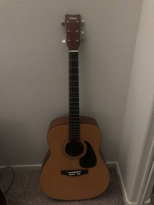 Yamaha F-35 acoustic guitar for Sale in Moreno Valley, CA