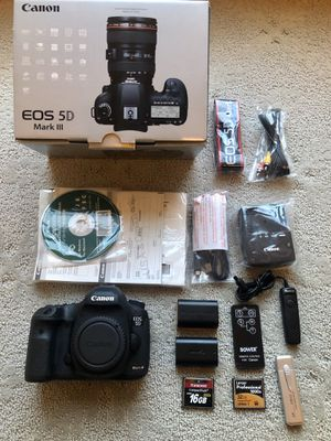Canon 5D Mark III Body only with Extras for Sale in Duluth, GA