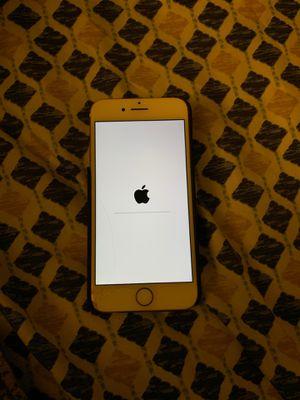 iPhone 7 rose gold 32gb unlocked for Sale in Aldie, VA