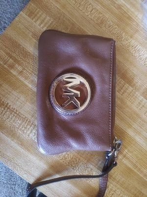 Michael kors wrist clutch for Sale in Clyde, TX