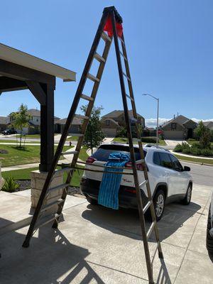 Best offer! 12ft Werner ladder (small crack) Buda for Sale in Creedmoor, TX
