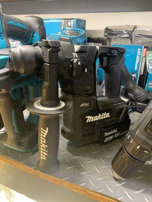 """MAKITA 18V BRUSHLESS 1"""" SDS ROTARY HAMMER for Sale in San Bernardino, CA"""