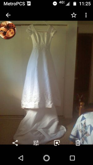 Wedding dress size 4 for Sale in Payson, AZ