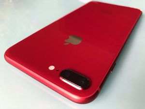 iPhone 8 64gb red unlocked for Sale in Miami Beach, FL