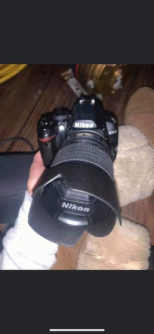 Nikon D3000 for Sale in St. Louis, MO