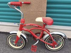 Radio Flyer classic red 12 inch cruiser a stylish little kids bike for Sale in North Las Vegas, NV