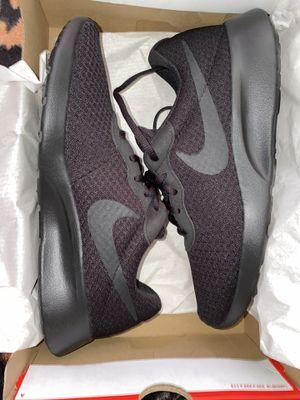 nike tanjun shoes (NEW) sz 9.5 for Sale in Sacramento, CA