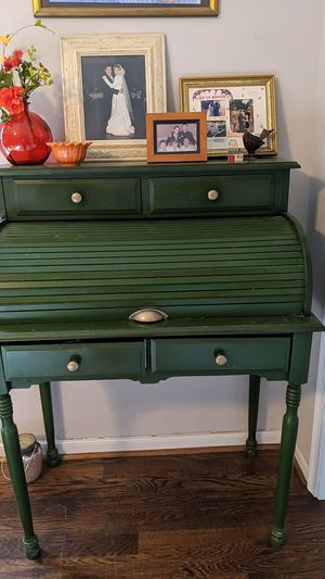 Antique roll top desk with new hardware for Sale in Richmond, VA