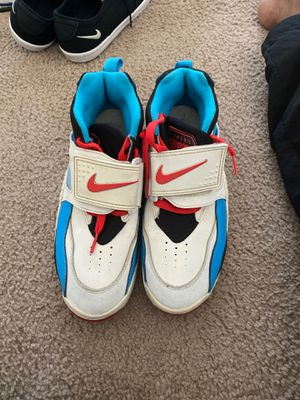 Air Nike shoes size 7y for Sale in Fort Leonard Wood, MO