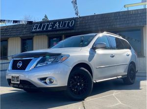 2015 Nissan Pathfinder for Sale in Dinuba, CA