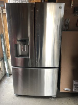 Kenmore Elite Stainless Steel French Door Refrigerator for Sale in Denver, CO